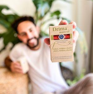 Coats lança linha de costura inovadora produzida a partir de garrafa pet reciclada